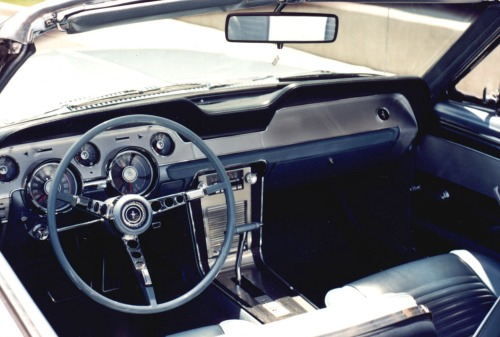 1967 Ford Mustang Convertible brittany blue interior