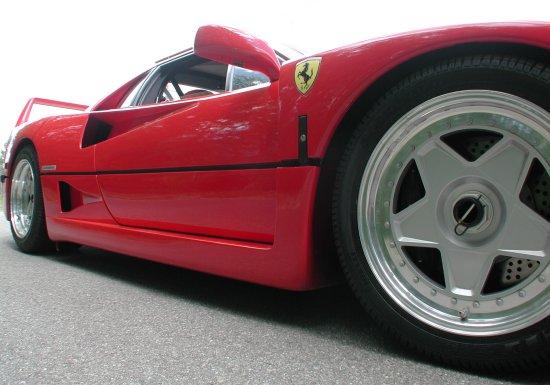 1992 Ferrari F40 Rosso Corsa wheels