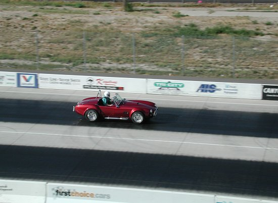 1967 Shelby Cobra 427 S/C On the track
