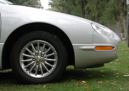 2001 Chrysler Concord LXi wheels