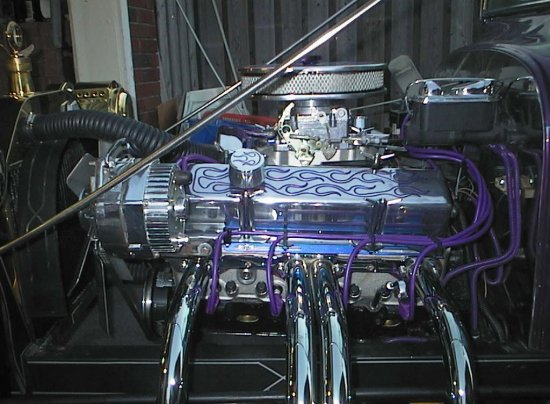 1923 Ford T Bucket purple engine