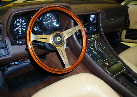 1984 Ferrari 400i Maron interior